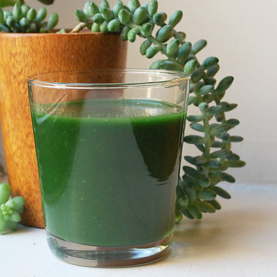 Smoothie tropical vert