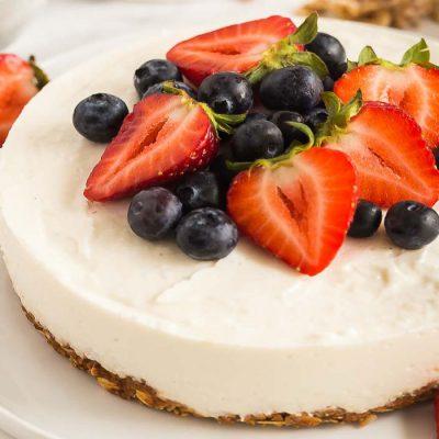 fruit and yogurt breakfast tart